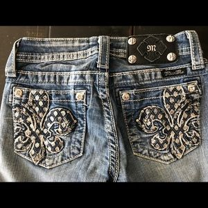 Miss Me Bottoms - Miss Me Cropped Jeans